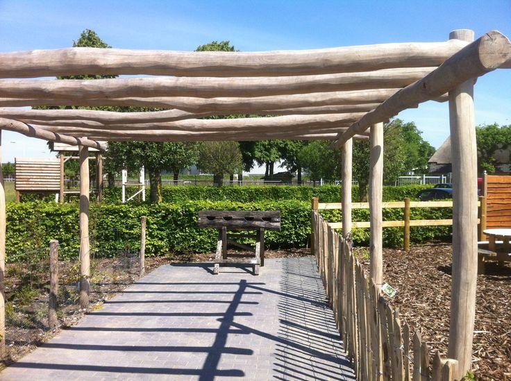 Pergola kastanjehout google zoeken achtertuin pinterest pergolas and gardens - Overdekte patio pergola ...