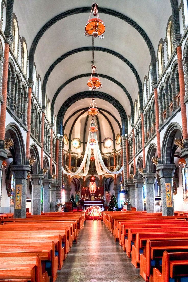 Jeondong Church is the catholic church in Jeonju, South Korea.It is the old romanesque church. Inside, I could see its beauty and why it is one of the most beautiful churches in South Korea.