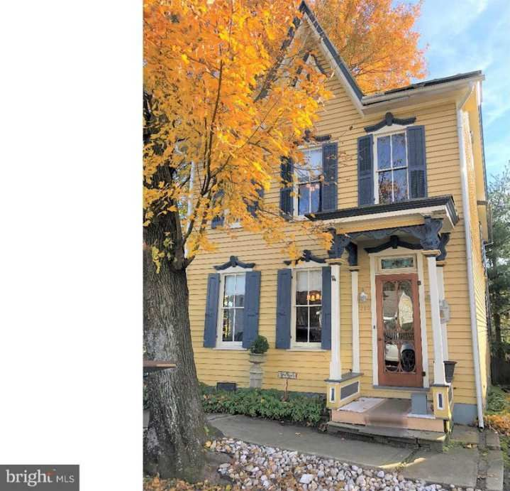 1887 Gothic Revival Orwigsburg Pa 143 000 With Images Victorian Homes Exterior Old House Dreams House Exterior