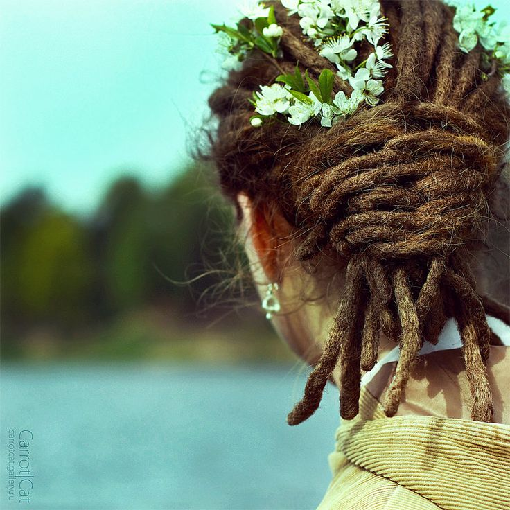 I'd love to braid my dreads like this.