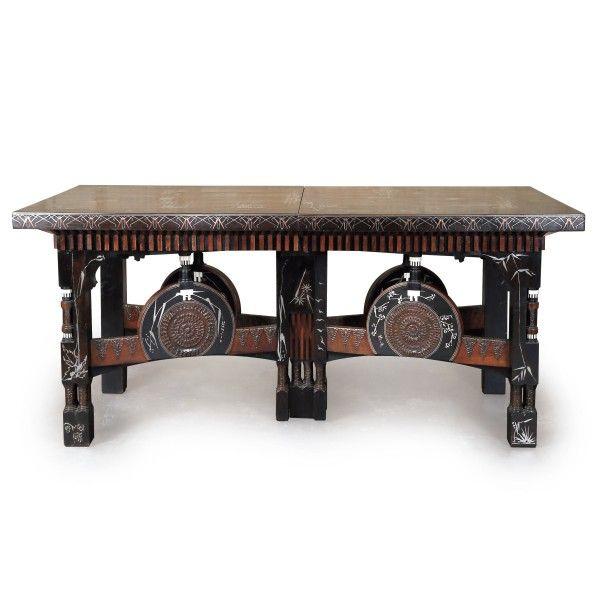Carlo bugatti 1856 1940 table de salle manger for Pendule salle a manger