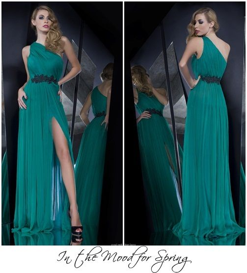 Your bridesmaids will totally love this one-shoulder evening dress. It's easy to wear, works miracles for their silhouette and it's such an elegant choice!