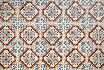 Kleurrijke vintage Spaanse stijl keramische tegels wanddecoratie. Stockfoto - 8774463