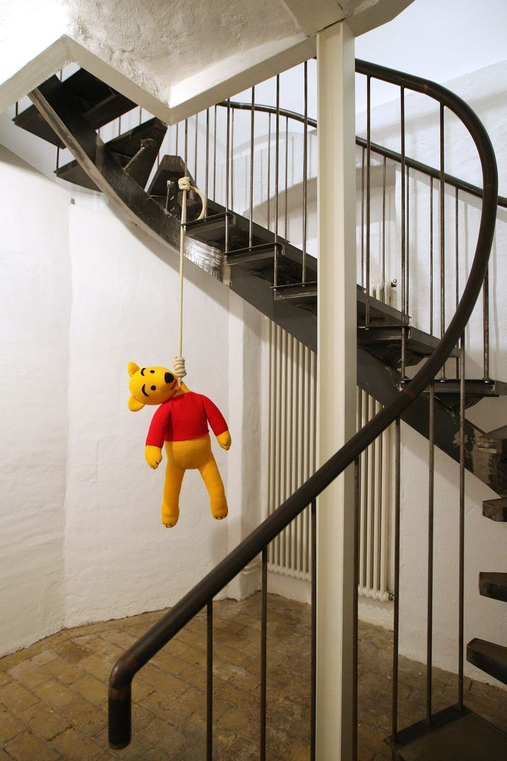 """The knitted sculpture """"Winnie Pooh"""" by Patricia Waller2"""