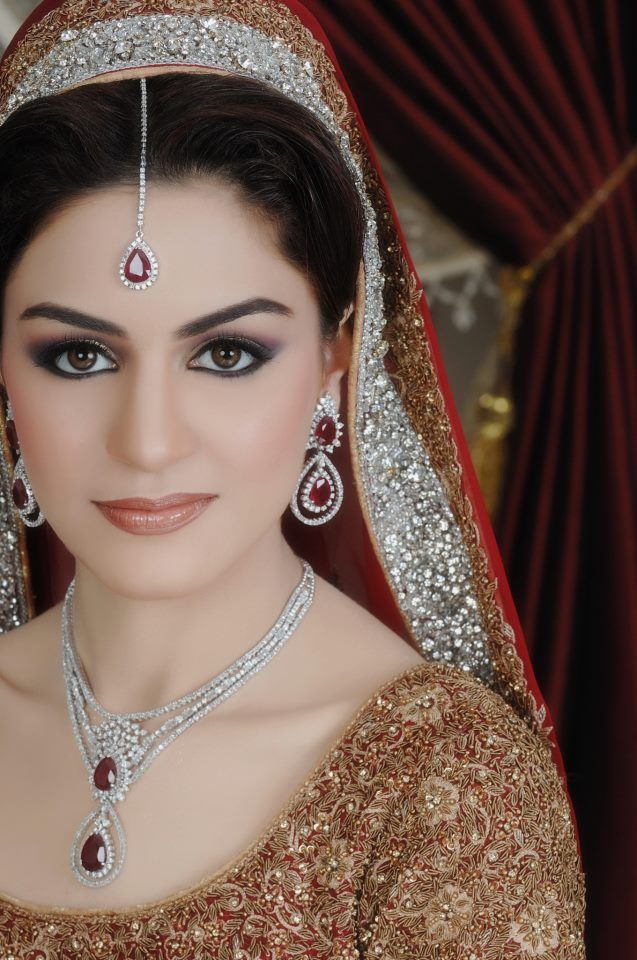 Indianbridalmakeup Indianbridalfashion Stani Bridal Makeup Light Make Up Making Lips Colour With Suit Middot Tutorial Brides