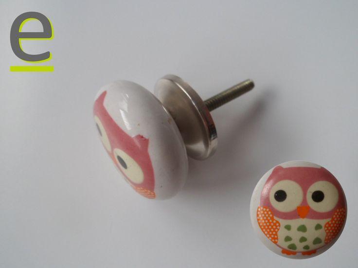 Pomello di ceramica per camerette. Decorazione con gufetto! Abbiamo a disposizione, sul nostro sito, anche altri modelli di pomelli utilizzabili per gli arredi delle camerette dei vostri bambini. www.easy-online.it