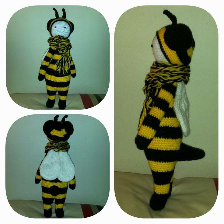 honey bee mod made by Donna C. / based on lalylala's BUZZ crochet pattern