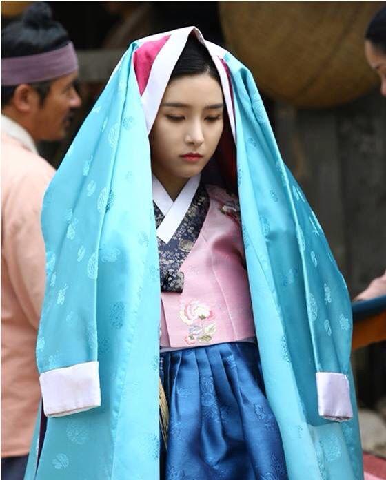 한복 Hanbok : Korean traditional clothes[dress]  | KimSoEun Scholar Who Walks the night