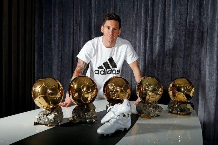 Messi Bola de Ouro chuteira Adidas