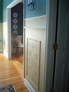 Feature Friday- Faux Carved Wainscoting using Paintable Textured Wallpaper | Suzy's Artsy Craftsy Sitcom #diy #decorating