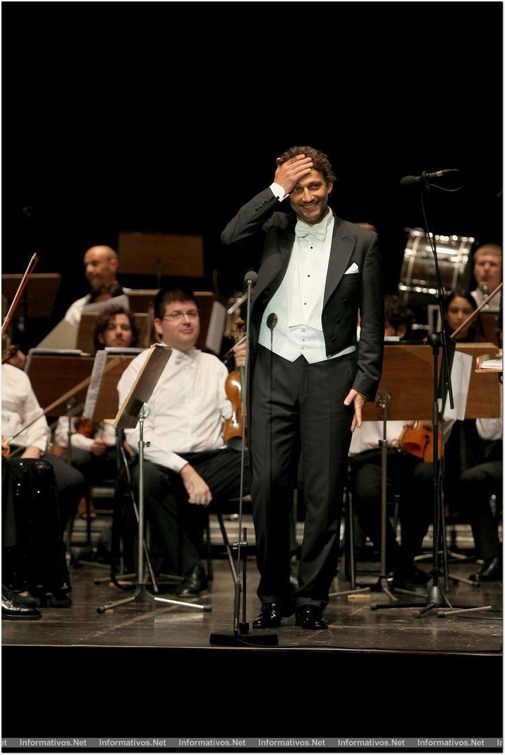 3AG014.- Festival de Peralada: actuación de Jonas Kauffman, con la Orquesta de Cadaqués y el director de orquesta alemán, Jochen Rieder.