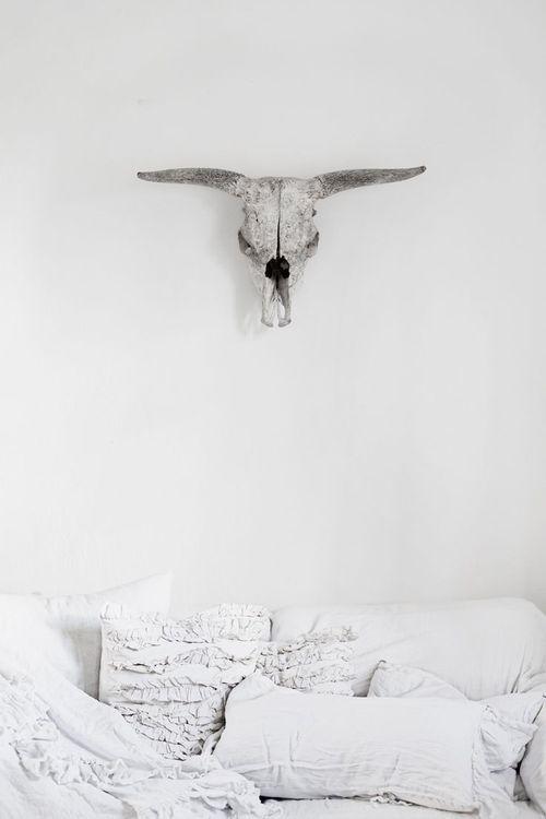 #white #color #offwhite #cream #mastic #beige #inspiration #detail #bashparis #bash #design #interior