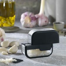 Microplane® Knoblauchschneider Knoblauch sauber schneiden - statt pressen, zerreiben, zerquetschen.