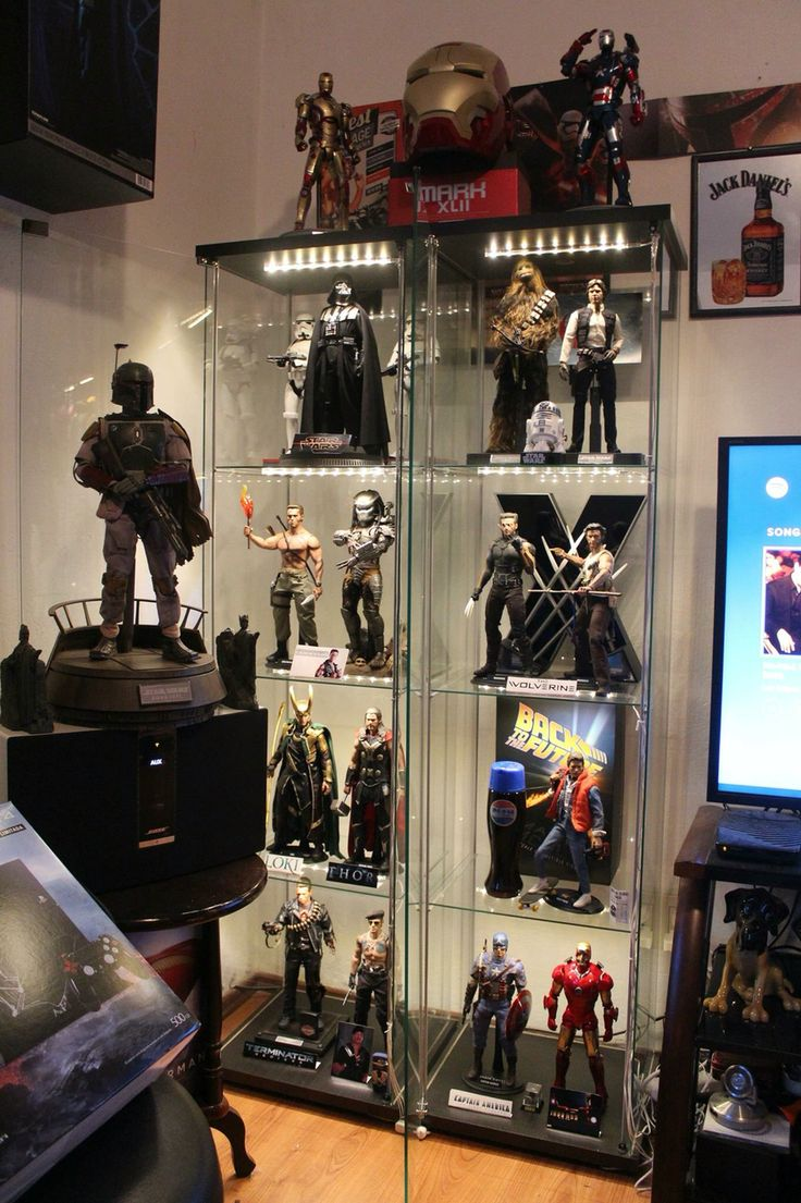 100 best images about action figure display cases on for Hot toys display case ikea