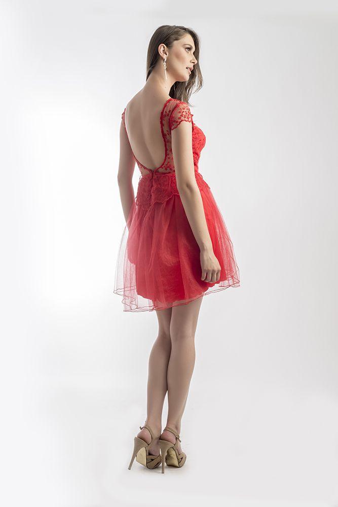 Frilly TULip Dress by Mireli24 Vara aceasta poti fi o divă în rochia TULip Dress by Mireli24. Alege pentru evenimentele speciale din viața ta o rochie roșie, deosebită, cu care vei atrage toate privirile asupra ta. O puteti achizitona apasand pe link-ul de mai jos: http://goo.gl/vUxRGM