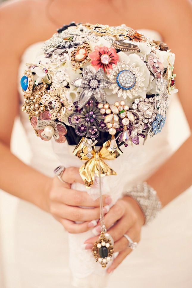 one of the cutest accessorized bouquets we've seen!