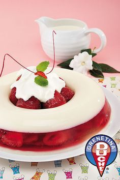 Strawberry Wreath Gelatin Cake
