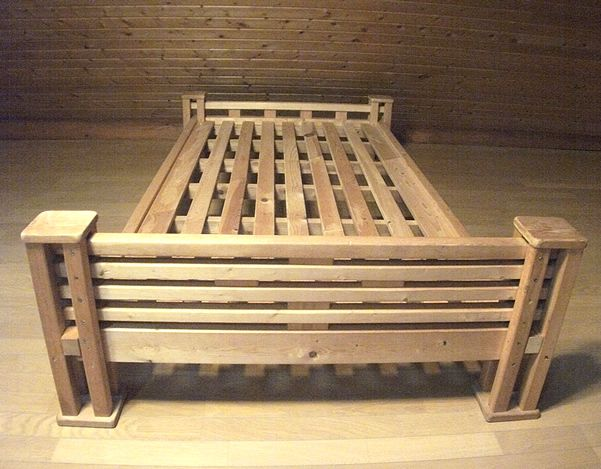 1 4 2 4材で木製ベッドを製作 Diyレシピ 木製ベッド ベッド Diy ベッド