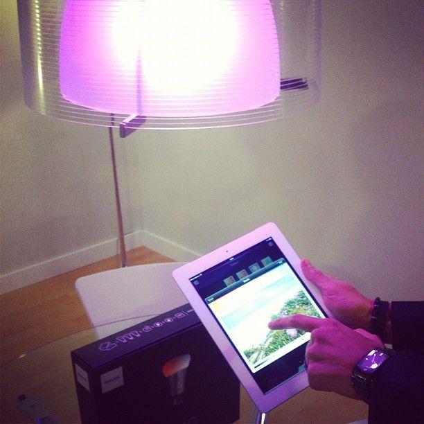 Cambiar intensidad y color de luces desde internet, via smartphone, tablet... Tecnologia LED