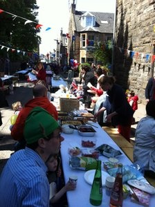 Celebrating the Queen's Jubilee in Edinburgh - Street Party
