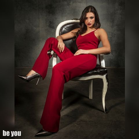 This Party Season is looking red hot  Nafsika Panagiotakopoulou looks just amazing!!! ολόσωμη φόρμα > https://goo.gl/vSlK4g  #jumpsuit #red #beyoucomgr #partywear