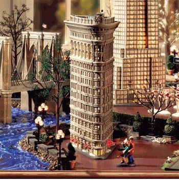 Department 56 Christmas in the City - Flatiron Building