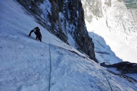 Un montañero español muere despeñado en los Ecrins (Alpes franceses)