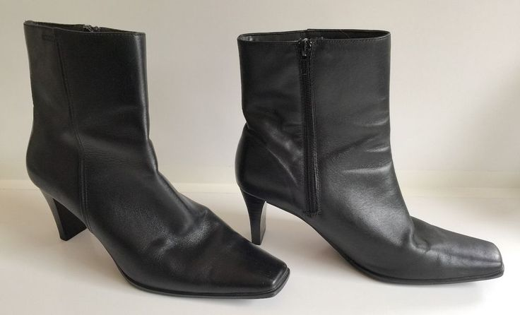 Sandler Naomi Black Leather Short Boots with Zip Size 10B