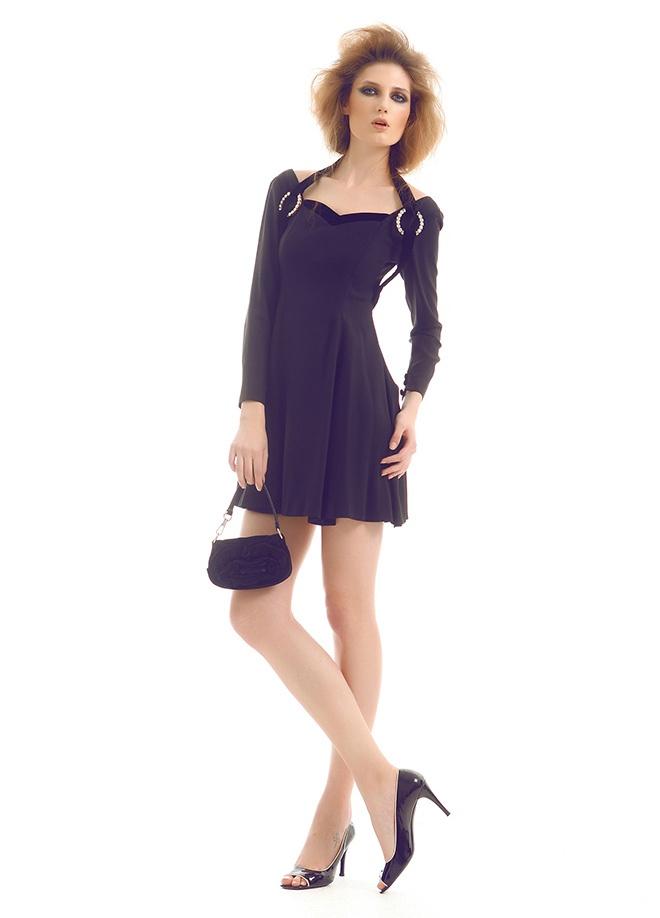 Ece Sükan Vintage Ece sükan vintage - elbise Markafoni'de 600,00 TL yerine 139,99 TL! Satın almak için: http://www.markafoni.com/product/3549459/