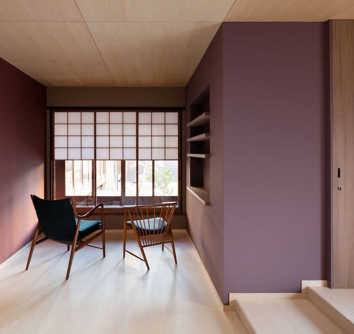 Case Real Who Won A Wallpaper Design Award In Have Created An Effortlessly Elegant Multi Functional Work Space Converted Japanese Storehouse