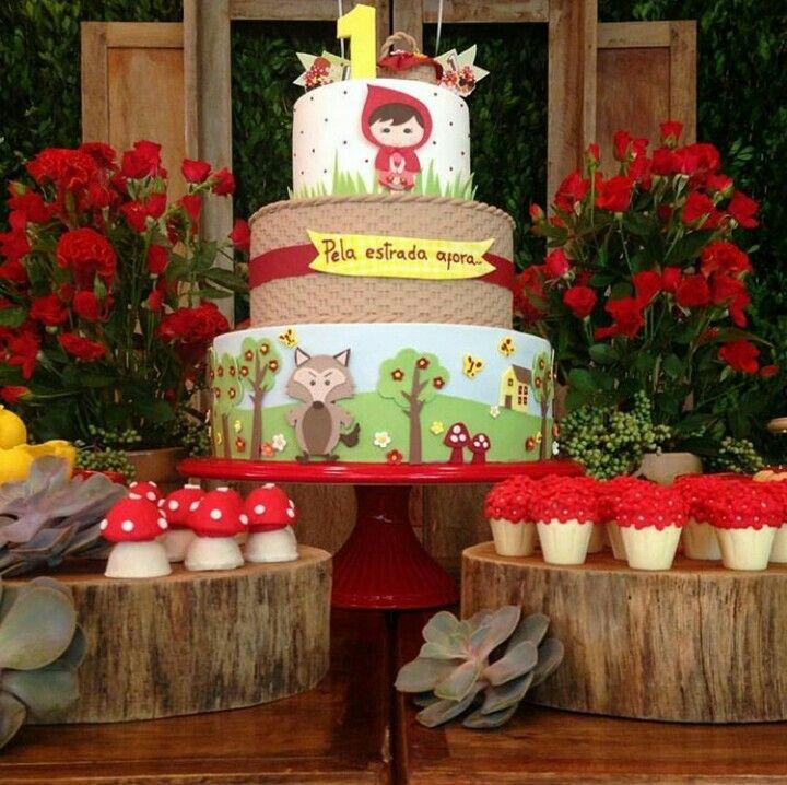Festa Chapeuzinho Vermelho com porta doces de tronco