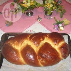 Brioche @ allrecipes.com.br - Essa receita de brioche não dá trabalho, pois a massa é preparada na máquina de pão.