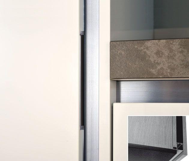 Accesorii Mobila de Bucatarie cu Profile din Aluminiu imbinate profesional