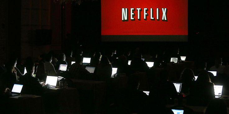 """Netflix è considerato il più diffuso servizio di """"internet tv"""" al mondo: è nato nel 1997, quando offriva un servizio di noleggio di DVD e videogiochi, ma dal 2008 si è progressivamente trasformato nel servizio di streaming online che è oggi. Ma perché oggi tutti ne parlano?"""