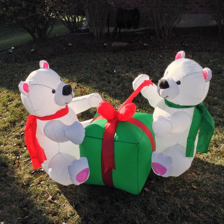 193 best inflatable yard decor images on pinterest for Animated polar bear christmas decoration