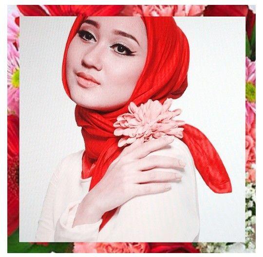 Dian pelangi  red hijab