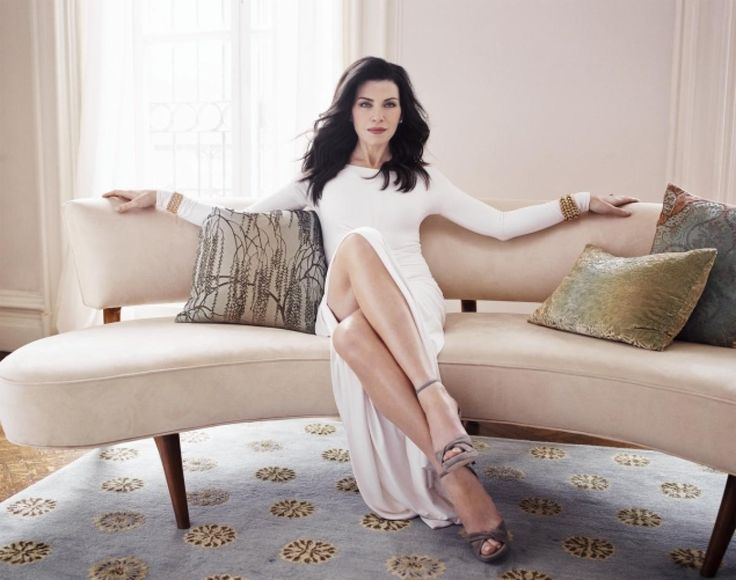 julianna margulies she is beautiful