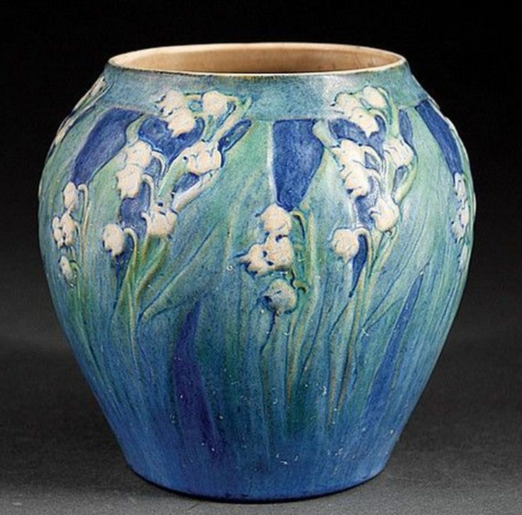 ◭ Penchant for Pottery ◮  Newcomb College