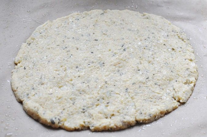 Perfekte vegane Blumenkohl-Pizza-Kruste von Paleo   – Yummy Meals