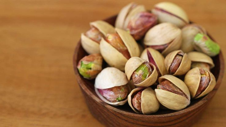 Top 9 Nutritional Benefits of Eating Pistachios