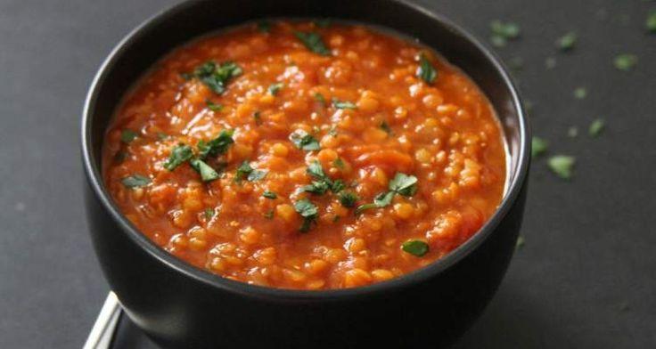 Turkse soep met linzen. Bekijk het recept hier: http://www.urbansuperchefs.nl/linzen-een-absolute-superfood
