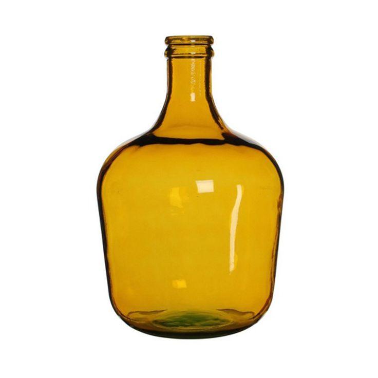 Deze gele vaas van Mica bewijst dat gele kleuraccenten in een interieur stijlvol zijn en karakter geven aan een woonkamer. Geel is een kleuraccent dat maar weinig mensen durven aan te brengen in hun woning. Bij Trend van Morgen willen wij u laten zien dat gele kleuraccenten tijdloos zijn. Deze vaas kunt u bij Trend van Morgen met grote korting kopen in het industriële stylingpakket voor de woonkamer: Loft Living Yellow.