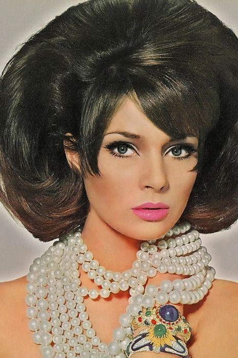 Jennifer O'Neill by Irving Penn, Vogue US 1965.1960s fashion