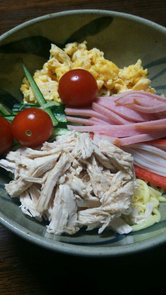 Hiyashi Chuka at home, topped with shredded chicken.