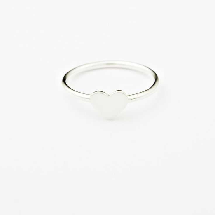 Build them up, build them up, build them higher!These stackables are a hit with every finger.The band is made with 1.5mm round sterling silver wire, so very dainty.Available in brass or silver, matte or shiny!Available in 5 sizes:Knuckle/pinky (size 'H')Small (size 'L')Medium (Size 'N')Large (Size 'P')Extra large (size 'R')