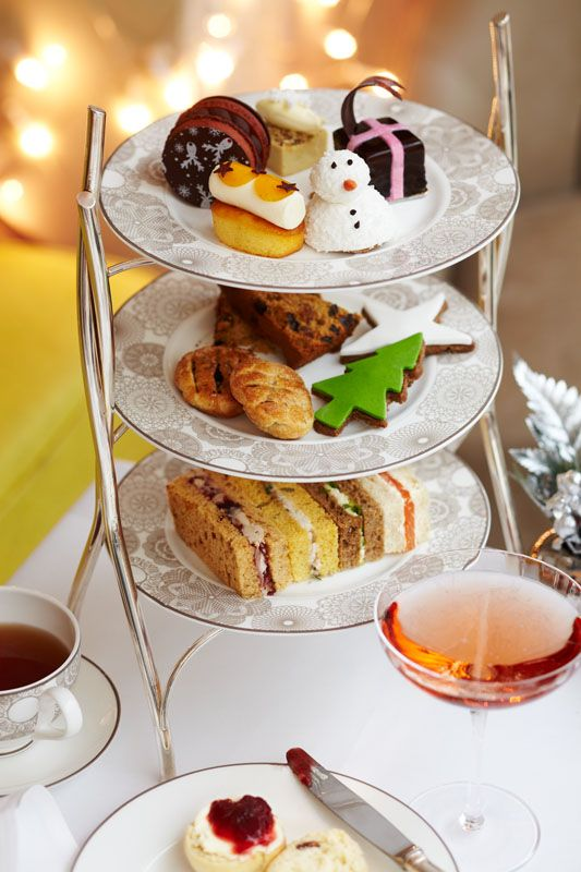 For the whole of December 2013, InterContinental London Westminster is offering unlimited champagne with the Christmas Afternoon Tea for just £35 from Monday to Friday and for £45 on Saturday and Sunday. This offer is bookable exclusively with afternoontea.co.uk and is available every day until 31st December 2013.