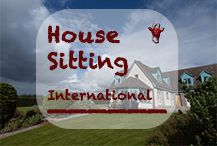 House and Pet Sitting - Experiences with dogs, cats and sometimes horses and other animals in their owners' houses. Advice for house sitters and home owners. Travels around the world as World Nomads are mainly possible thanks to international house sitting opportunities. They keep accommodation costs low and at the other hand, they offer an insight in the local lifestyle in a country.  #housesitting #animalcare #petsitting