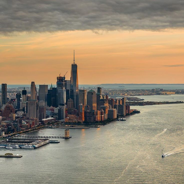 gorgeous sunset in New York City by @gregroxphotos - New York City Feelings