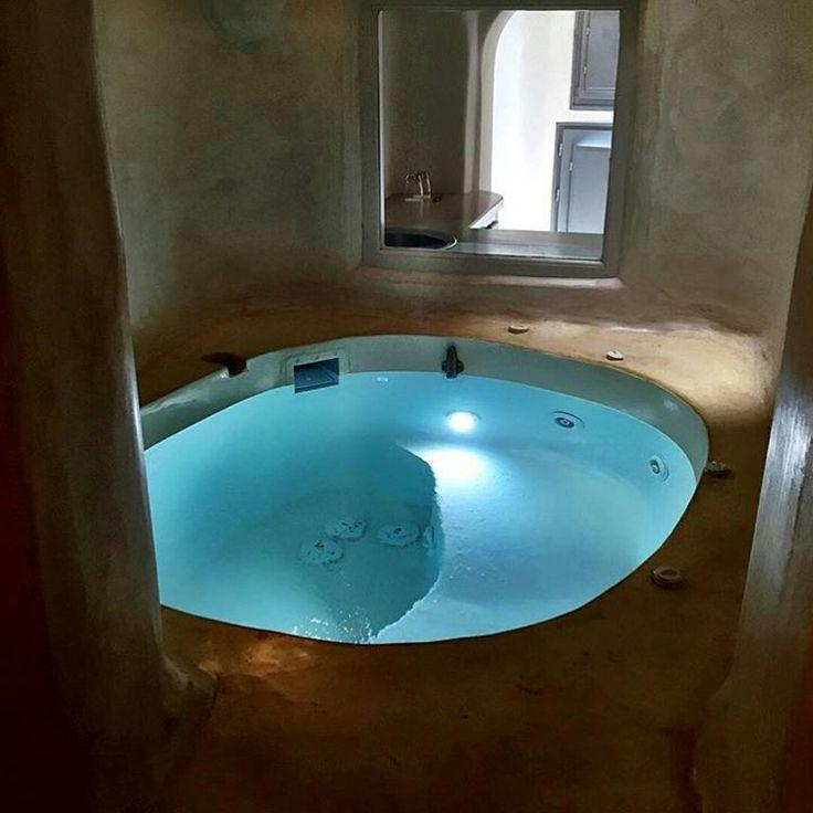 Indoor whirlpool rund  Best 25+ Indoor jacuzzi ideas on Pinterest | Lap pools, The dream ...