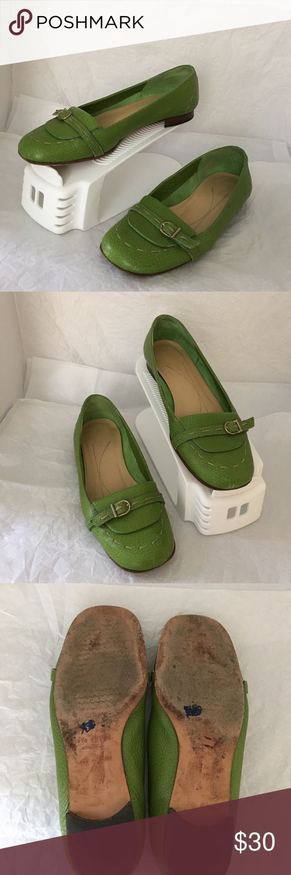 Kate Spade flats Pre owned Kate Spade flare in good condition. Please zoom in on the pictures. Size is 7C smoke and pet free house kate spade Shoes Flats & Loafers